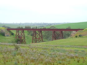 Railway bridge on Light river at Hamley Bridge.JPG