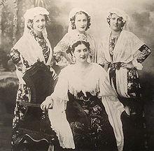 Rainha e Princesas da Festa da Uva de 1934. Sentada  Odila Zatti 1c239ca56749