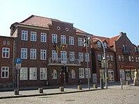 Rathaus Neukloster.jpg
