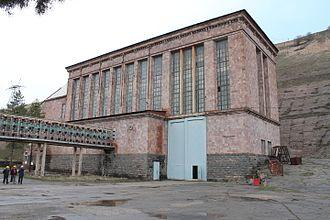 Sevan–Hrazdan Cascade - Building of the Hrazdan HPS