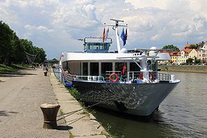 Regina Rheni (ship, 2000) 008.jpg