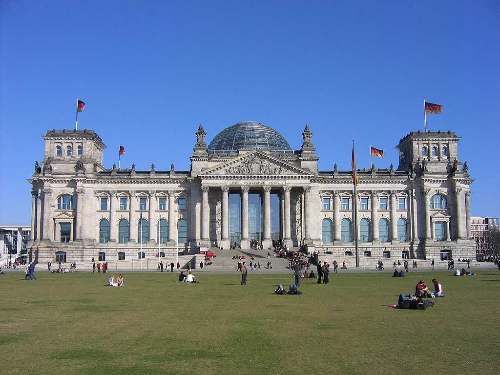 Reichstag exterior 317