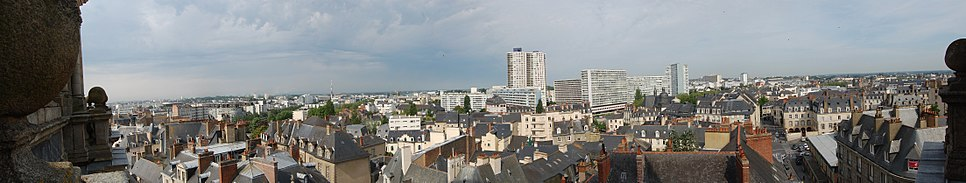 Rennes cathédrale mai 2010 - panorama 1