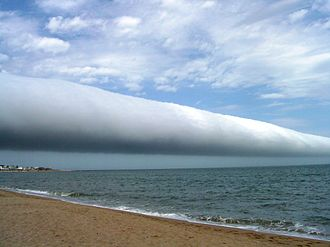Arcus cloud - Coastal roll cloud in Punta del Este, Maldonado, Uruguay, a type known as Volutus