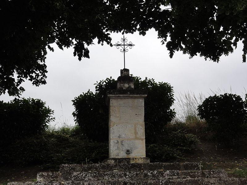 Rozières-sur-Crise (Aisne)croix de chemin