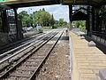 S-Bahn Buckower-Chaussee vom-Bahnsteig-auf-den-Bahnuebergang LWS0417.jpg