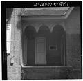 SOUTH FRONT, DETAIL OF HYPHEN - Parson Thorne Mansion, 501 Northwest Front Street, Milford, Sussex County, DE HABS DEL,1-MILF,2-5.tif