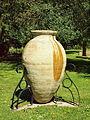 Saint-Amand-en-Puisaye-FR-58-poterie dans la cour du Château-01.jpg