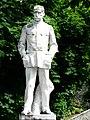 Saint-Béat statue Galliéni.JPG