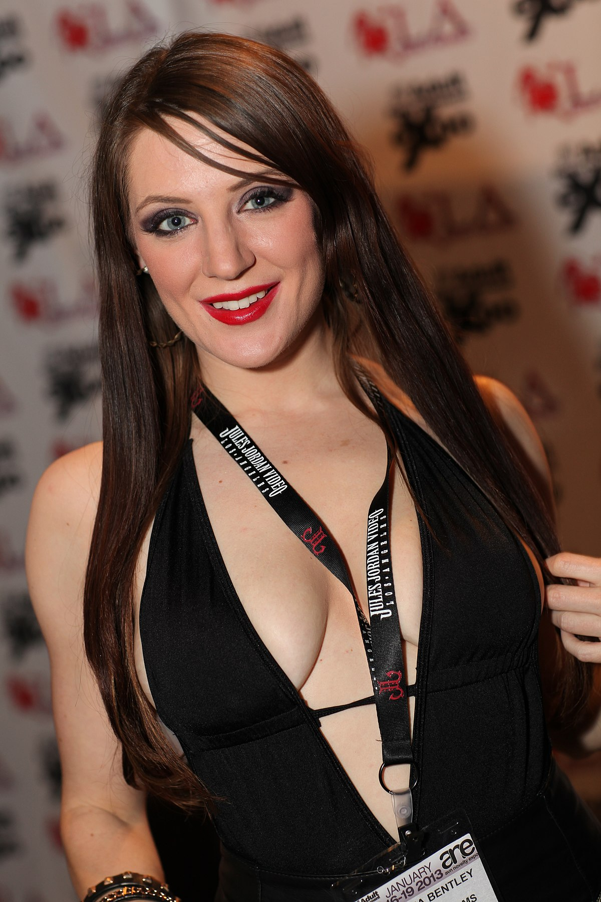 http://upload.wikimedia.org/wikipedia/commons/thumb/0/08/Samantha_Bentley_AEE_2013_1.jpg/1200px-Samantha_Bentley_AEE_2013_1.jpg