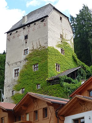 Fortified house - Kränzelstein in Sarnthein, South Tyrol