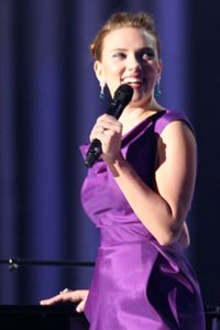 Scarlett Johansson at the 2008 Nobel Peace Prize Concert.jpg