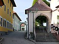 Schörfling am Attersee Kirche Tormauer.JPG