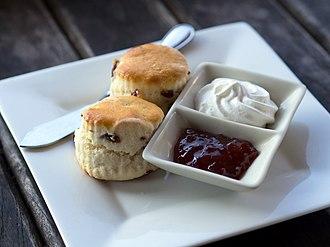 Scone - Image: Scones cream jam