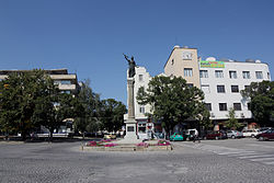 Sevlievo---statue-of-liberty.jpg