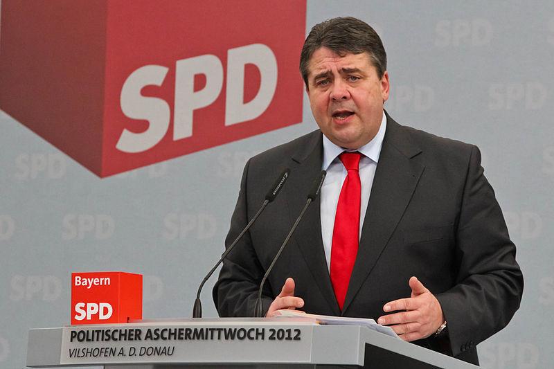 File:Sigmar Gabriel 2012 Politischer Aschermittwoch SPD Vilshofen 13.jpg