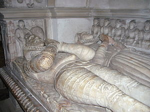 Acton Burnell - Elizabethan tomb of Sir Richard Lee (died 1591) and his wife in St Mary's Church, ancestors of Robert E. Lee.