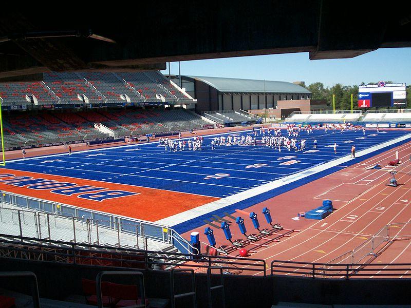 File:Smurf Turf in Bronco Stadium Idaho.JPG