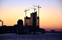 Hamburg-Sevärdheter-Fil:Sonnenaufgang an der Elbphilharmonie