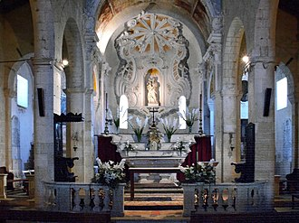 Saint-Florent Cathedral - Image: St Florent cathedrale choeur