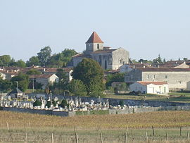 A general view of Saint-Georges-des-Coteaux