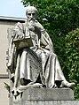 Statue de Michel de l'Hospital.jpg