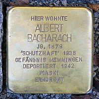 Stolperstein für Albert Bacharach (1879) in Memmingen.jpg