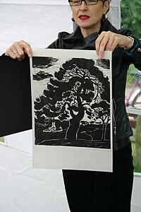 """Susanne Klein mit Eitel Kleins Bild """"Die Föhre"""".jpg"""