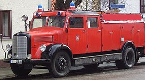 Water tender - Image: TLF 15 Daimler Benz