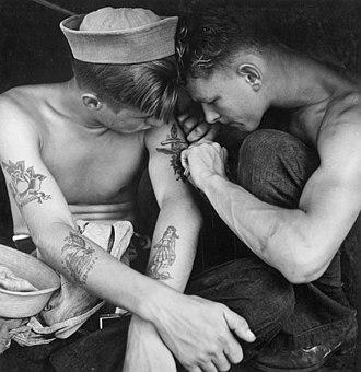 Sailor tattoos - Image: Tattooed sailor aboard the USS New Jersey