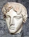 Testa di Apollo dell'Omphalos, di Calamide, da Baia (inv. 153640).JPG
