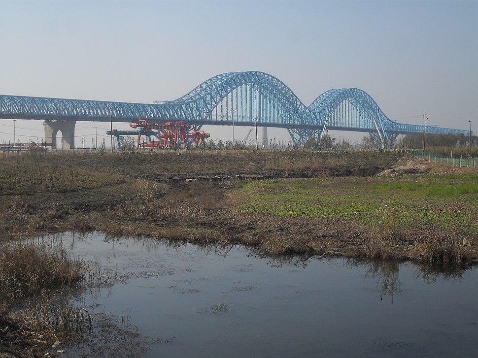 The Dashengguan railway bridge1.jpg