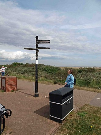 Humberston - Image: The Greenwich Meridian line Humberston geograph.org.uk 1296736