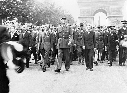 General Charles de Gaulle on the Champs-Elysees celebrating the liberation of Paris (26 August 1944) The Liberation of Paris, 25 - 26 August 1944 HU66477.jpg