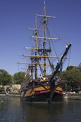 http://upload.wikimedia.org/wikipedia/commons/thumb/0/08/The_Sailing_Ship_Columbia.jpg/159px-The_Sailing_Ship_Columbia.jpg