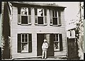 """The boyhood home of the American writer Mark Twain was this gray house on Hill Street, Missouri, the house described as Tom Sawyer's home in Mark Twain's best known story, """"The Adventures of LCCN2007678786.jpg"""