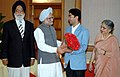 The first winner of an individual Gold Medal for India at the Beijing Olympic Games and International Shooting Ace, Shri Abhinav Bindra meeting with the Prime Minister, Dr. Manmohan Singh, in New Delhi on August 14, 2008 (1).jpg