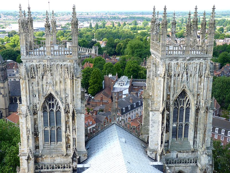 File:The western towers of the York Minster.jpg