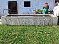 Tittling Museumsdorf - Granitbrunnen.jpg