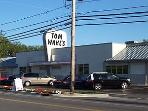 Tom Wahl's - Wikipedia
