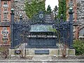 Tomb of Robert Owen (1771-1858) - geograph.org.uk - 661997.jpg