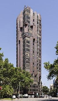 Torre Urquinaona, Barcelona.jpg