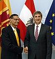 Treffen mit AM von Sri Lanka (9014305557).jpg