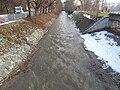 Trochu více rozvodněná Rokytka těsně před soutokem s Vltavou.jpg