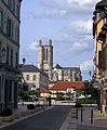 Troyes, la cathédrale et place de la Libération.jpg