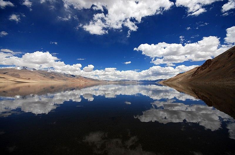 File:Tso Kiagar Lake Ladakh.jpg