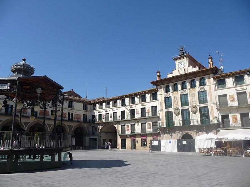 File:Tudela Plaza de los Fueros.jpg