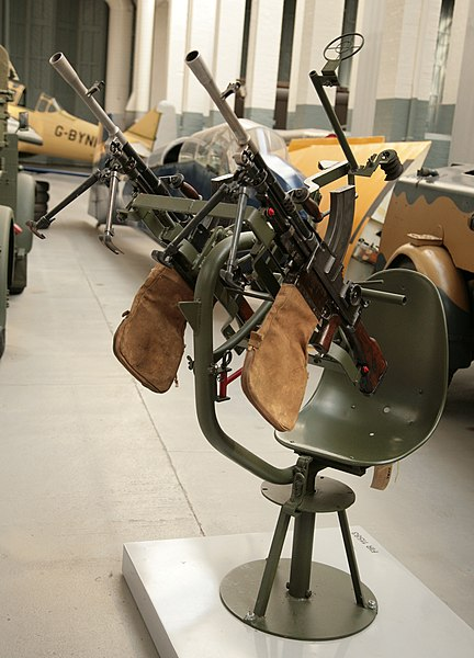 File:Twin Bren gun anti-aircraft mounting at RAF Duxford.jpg