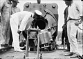 USN 14 inch railway gun Mk II open breech inspection 1919 LOC 12661.jpg