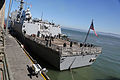 USS Chosin arrives for San Francisco Fleet Week 141008-M-FC972-035.jpg